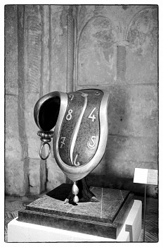 Salvador Dalí a Matera